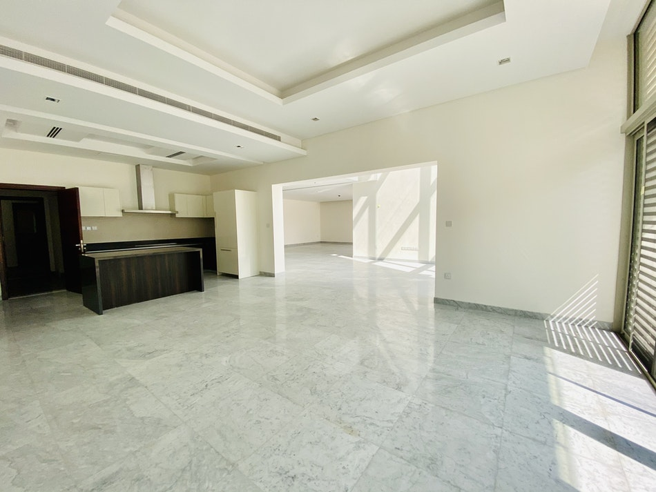 Priced to Sell, Five Bedroom Contemporary