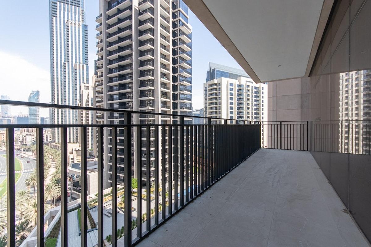 RESALE | Boulevard View | 02 Series | Downtown