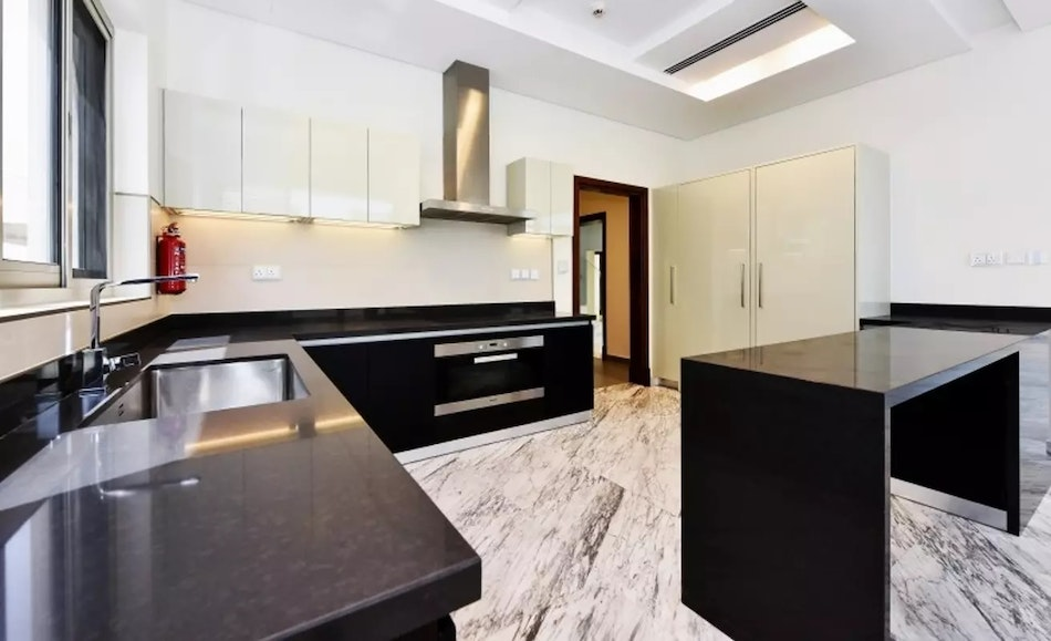 Exclusive Listing | 4 Bed Contemporary Style