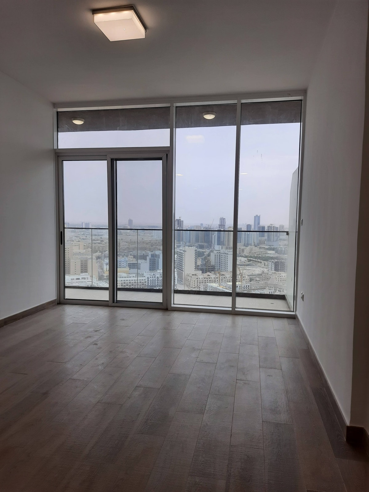 Genuine | Very High Floor | Full Open view