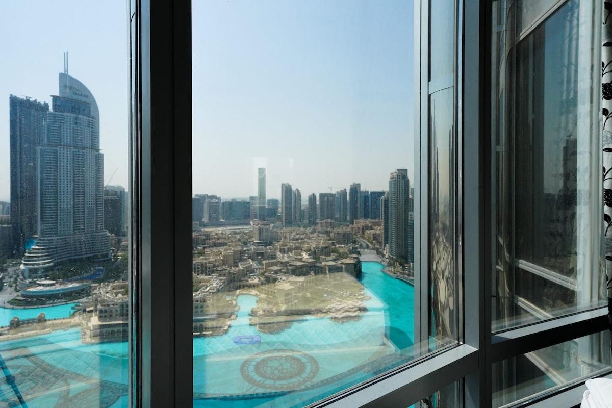 Full Fountain Views   High Floor   Vacant