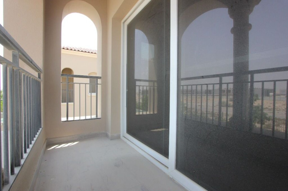 Corner unit | Huge plot | Ready to move in